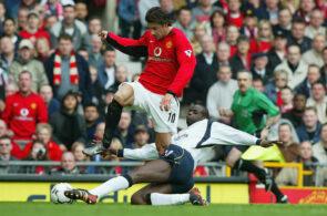 Ruud van Nistelrooy, Manchester United, og Djimi Traoré, Liverpool