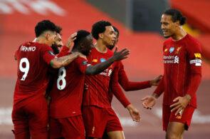Naby Keita celebrates with teammates
