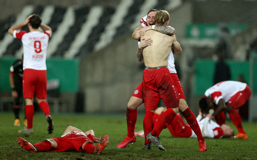 Rot-Weiss Essen v Bayer Leverkusen - DFB Cup: Round Of Sixteen