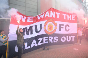 Man United fans protest