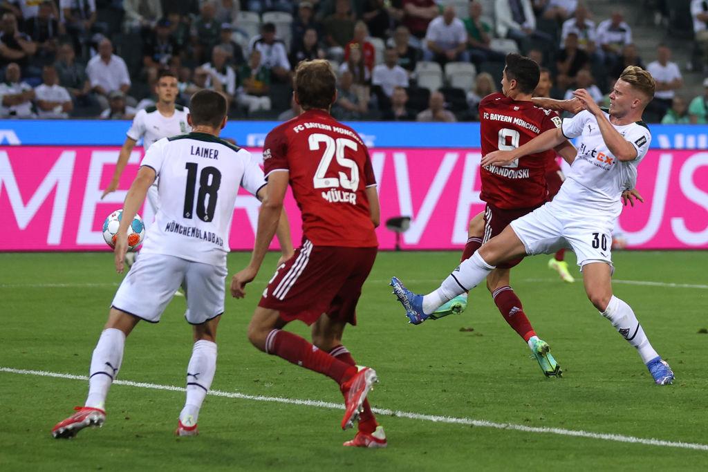 Borussia Monchengladbach vs Bayern Munich - Bundesliga